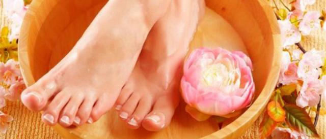 Соль при подагре: рецепты ванночек, советы по употреблению