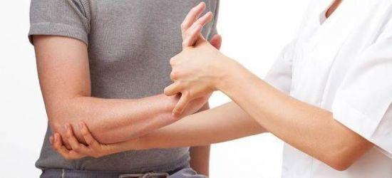 Гигрома запястья: к какому врачу обращаться, кто лечит и к кому идти