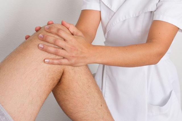 Массаж при артрозе коленного сустава: классический, медовый и другие техники (ВИДЕО)