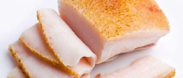 Можно ли есть сало при подагре: польза и вред соленого свиного сала