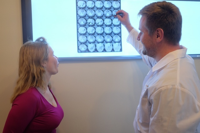 Диффузный остеопороз: причины развития, признаки и лечение
