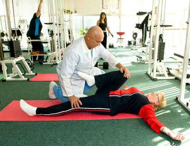 Гимнастика при артрозе коленного сустава: видео лечебных упражнений