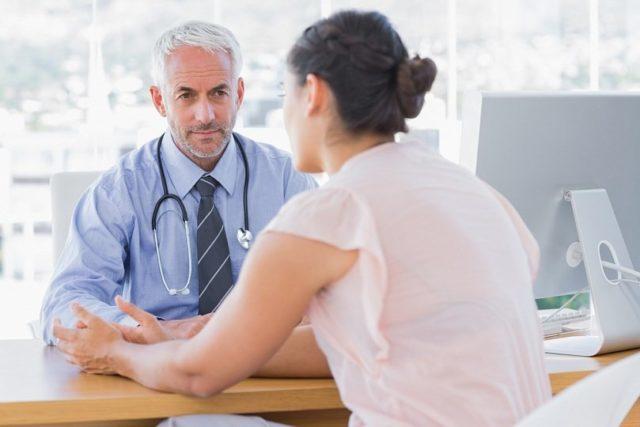 Какой врач лечит подагру на ногах: к какому доктору обратиться