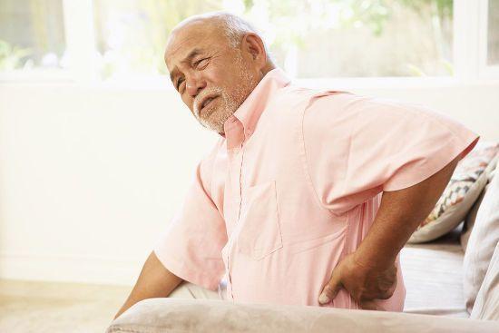 Боли при остеопорозе: какие бывают, что болит и как снять синдром
