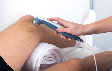 Бурсит: операция на локтевом и коленном суставе, реабилитация и возможные осложнения