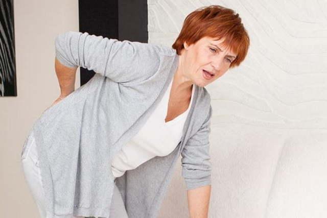 Остеопороз у женщин: причины, симптомы патологии и способы лечения