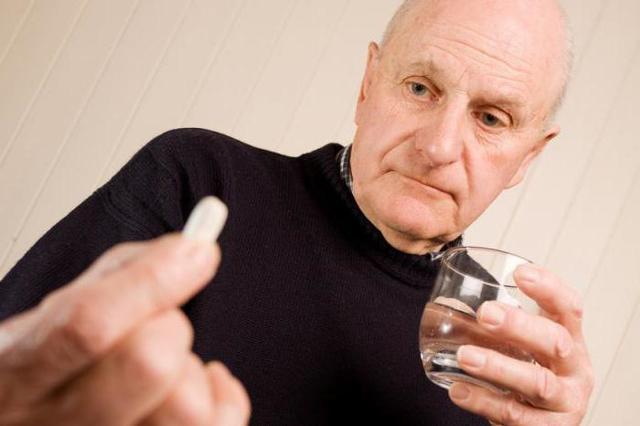 Артрит запястья кисти руки: причины, симптомы и методы лечения