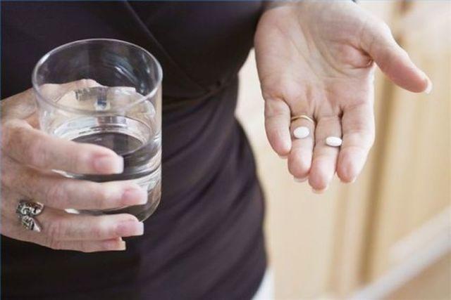 АСПИРИН при подагре: можно ли принимать и как пить, чем заменить