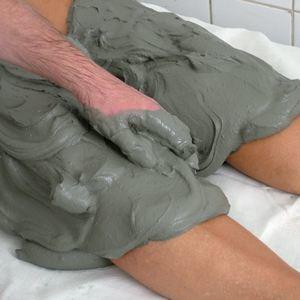 Голубая глина для суставов: лечебные свойства и применение