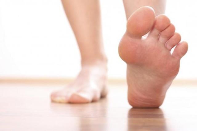 Подагра голеностопного сустава: признаки и симптомы, лечение боли