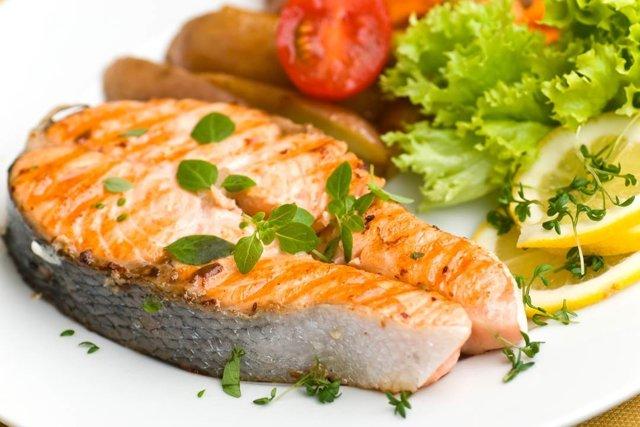 Какую рыбу можно есть при подагре: можно ли кушать нежирные сорта